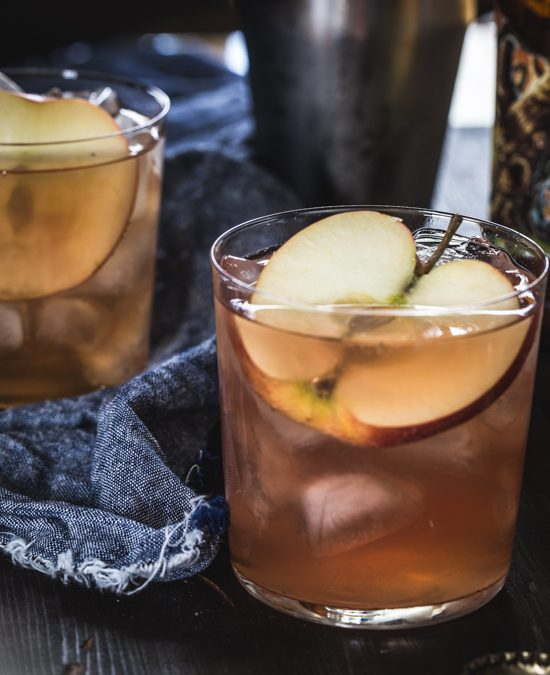 CRANBERRY APPLE CIDER COCKTAIL (Adapted from jelly toast blog)