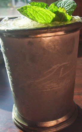 MINT-JULEP-RECIPE-KENTUCKY-DERBY-COCKTAIL-BOURBON-