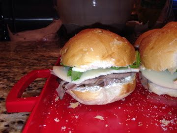 MINI ROAST BEEF SANDWICHES (Adapted from Southern Living)