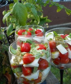 CAPRESE PARFAITS (recipe adapted from Apron String Blog)