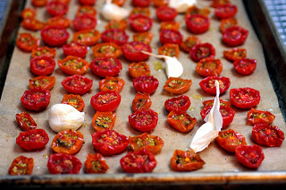 ROASTED TOMATOES (Smitten Kitchen)